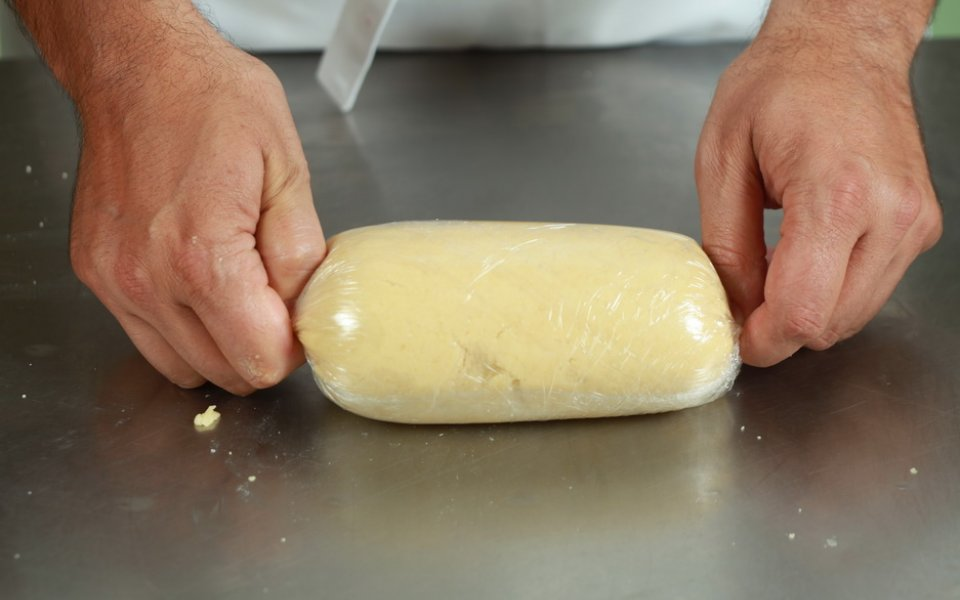 Preserving biscuit, cookie and tart doughs