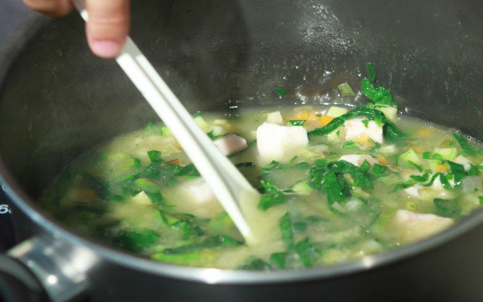 Φτιάχνοντας σούπα