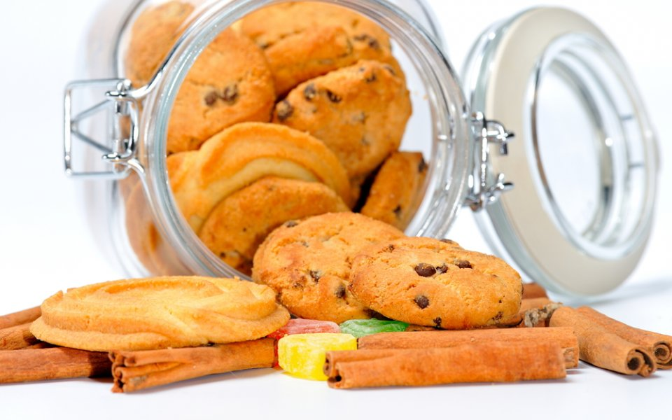 Biscuits: How can I store cooked biscuits or cookies?