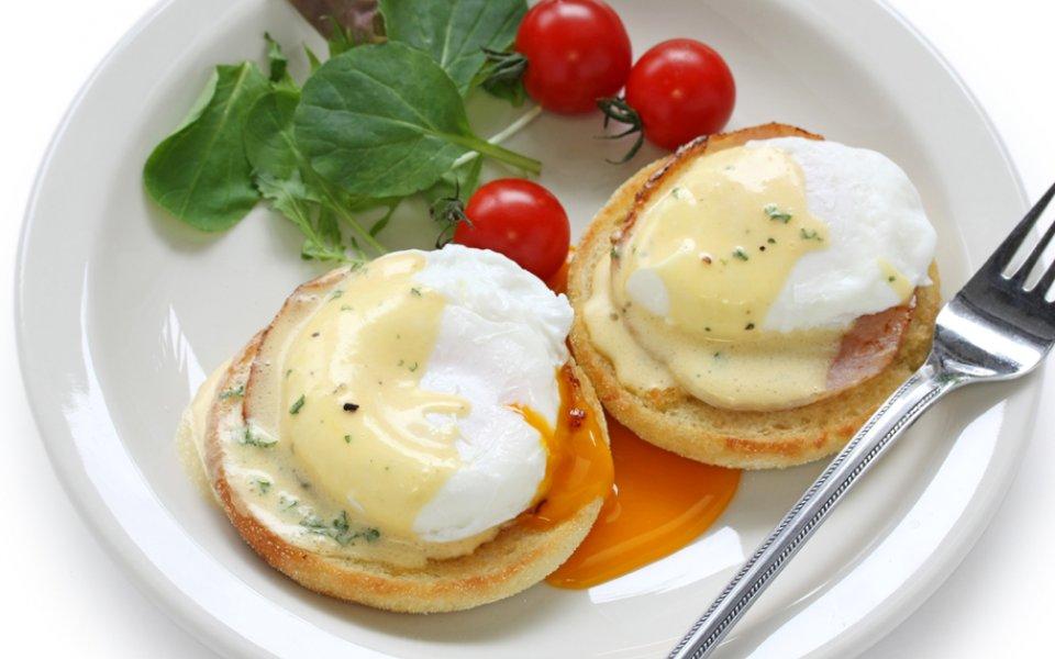ΑΥΓΑ ΜΠΕΝΕΝΤΙΚΤ (eggs benedict)