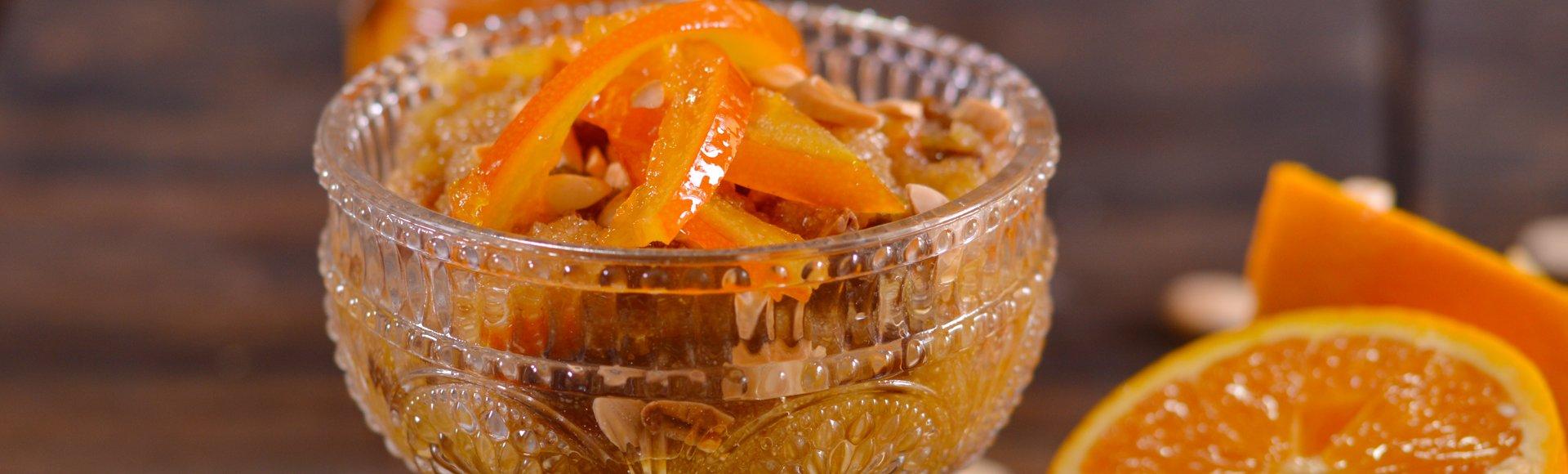 Χαλβάς με πορτοκάλι, σταφίδες & αμύγδαλα