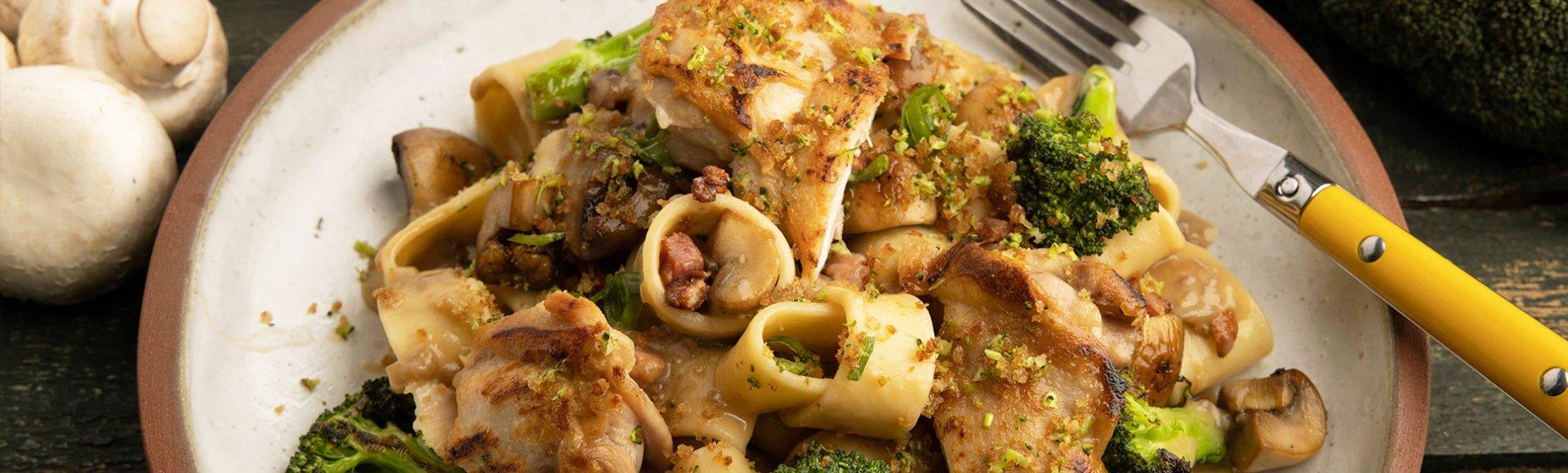 Ζυμαρικά με κοτόπουλο και μανιτάρια
