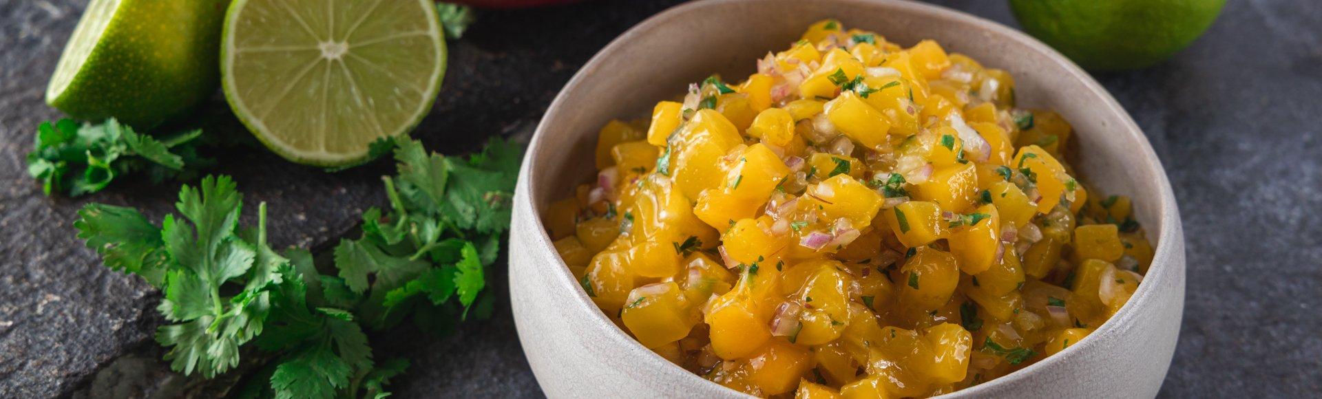 Σάλσα με μάνγκο και λάιμ
