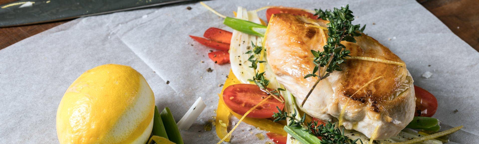 Κοτόπουλο provençale στη λαδόκολλα