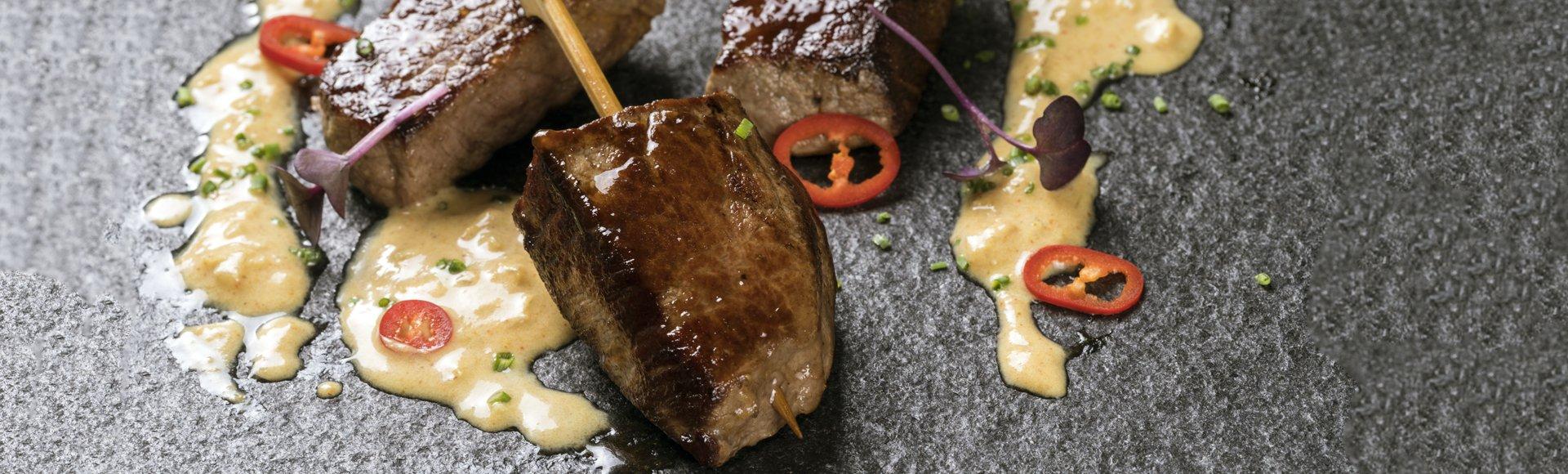 Μοσχάρι satay με σάλτσα φιστίκι