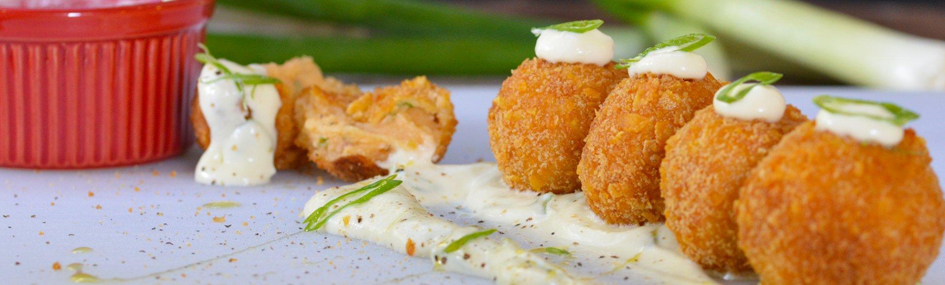 Κροκέτες με πατάτα και σαλάμι Λευκάδος