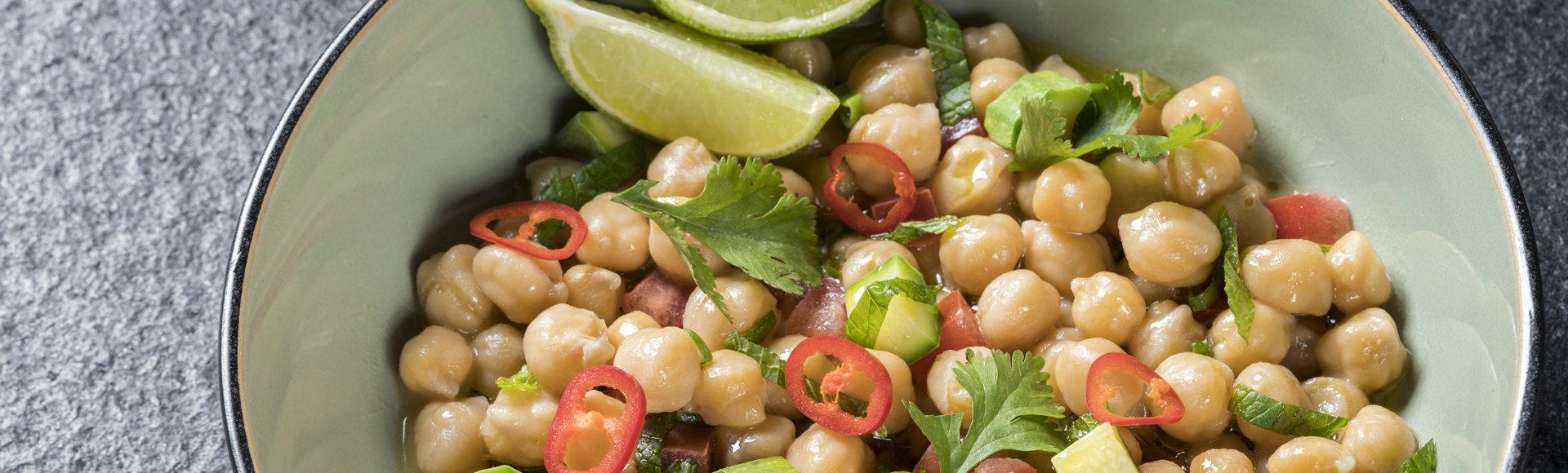 Ρεβιθάδα με ντομάτα, κολοκύθι και κόλιανδρο