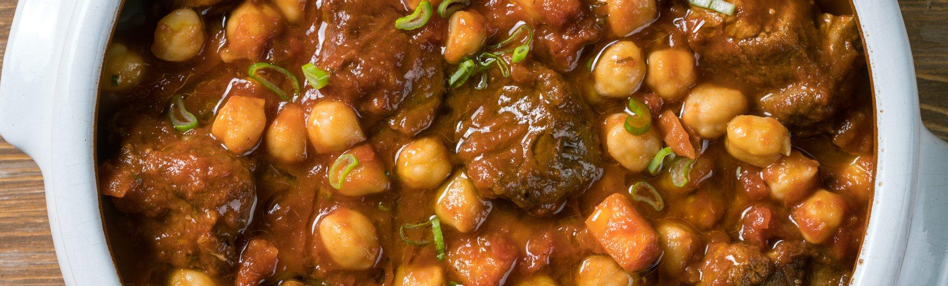 Χοιρινό με ρεβίθια στον φούρνο