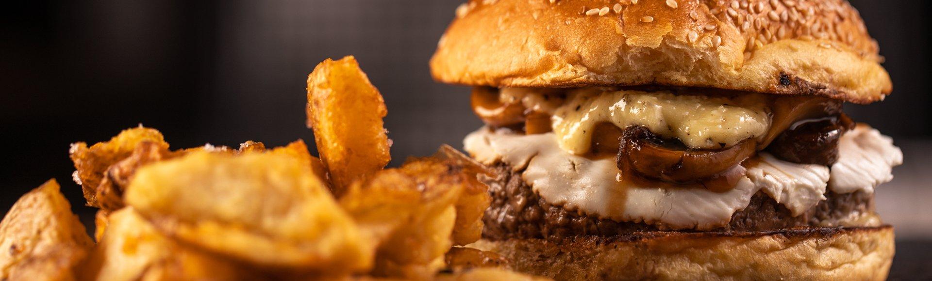 Burger με μανιτάρια και κατσικίσιο τυρί