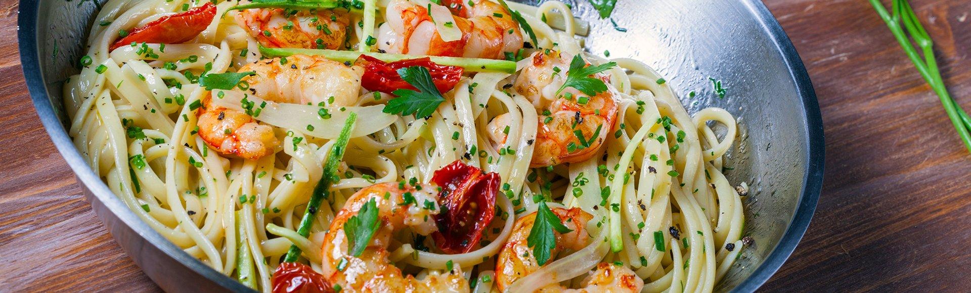 Λιγκουίνι με γαρίδες, κολοκύθι, φινόκιο και λεμόνι