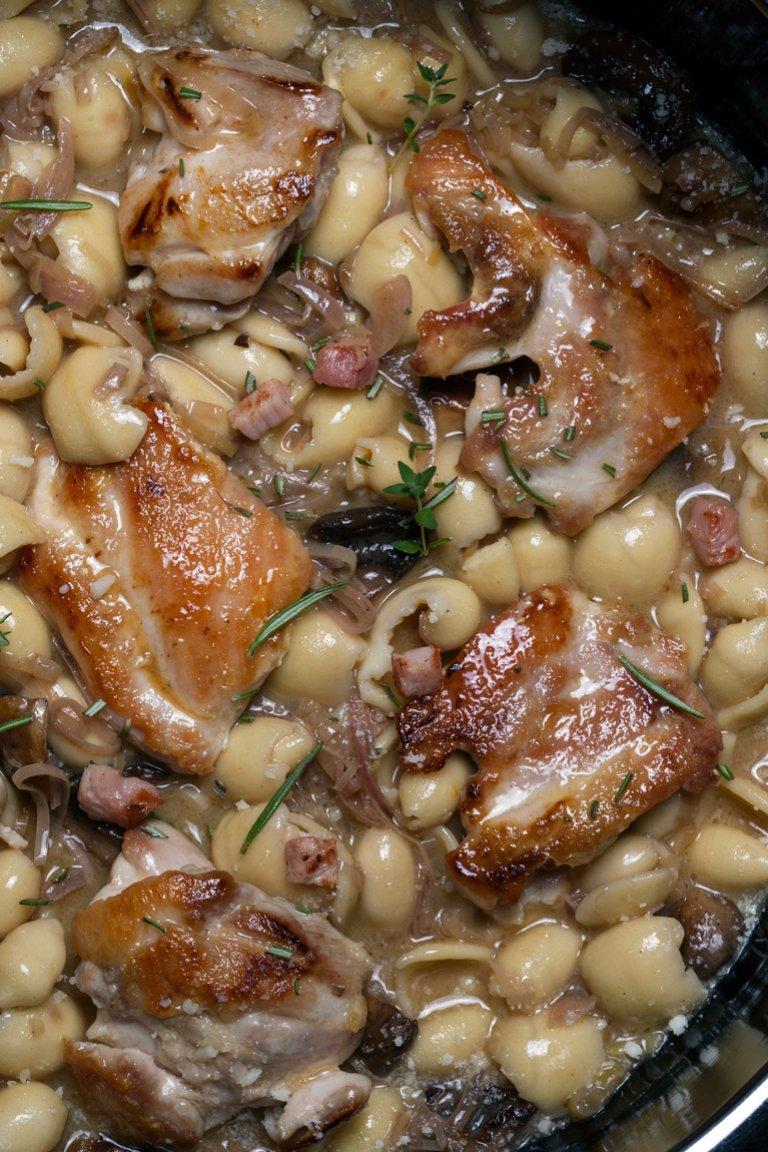 Κουρκουμπίνες με μαγειρευτό κοτόπουλο, μανιτάρια & λάδι τρούφας