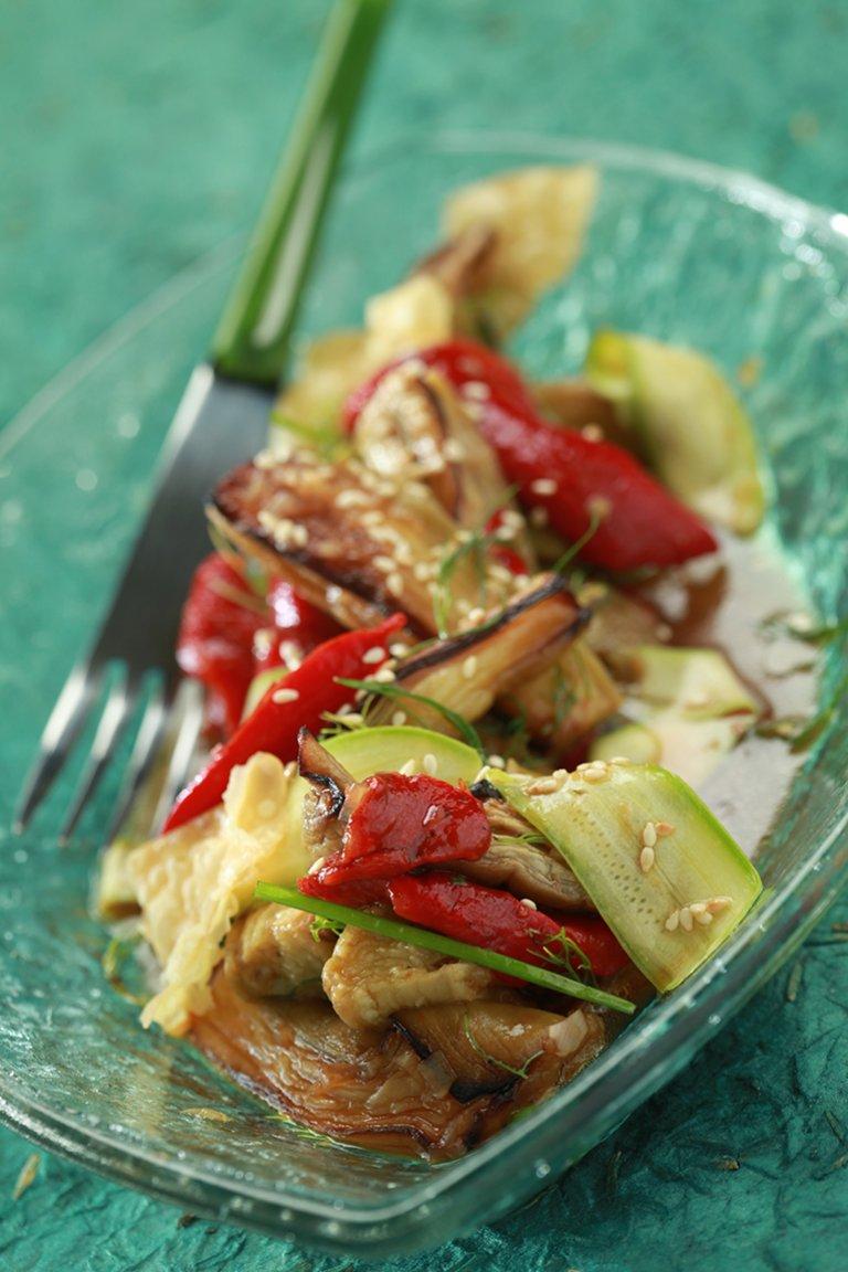Ασιατική σαλάτα με μελιτζάνες