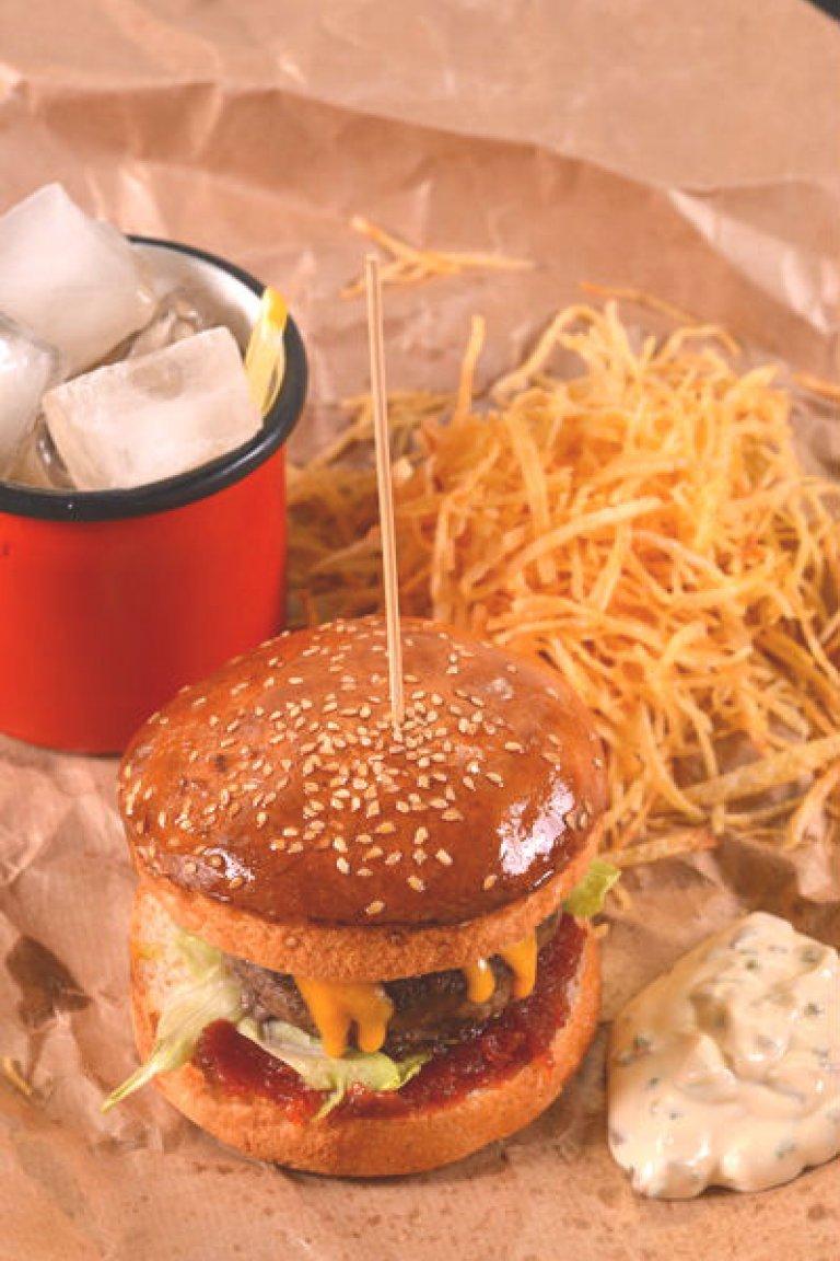 Burgers: ζουμερά & σπιτικά