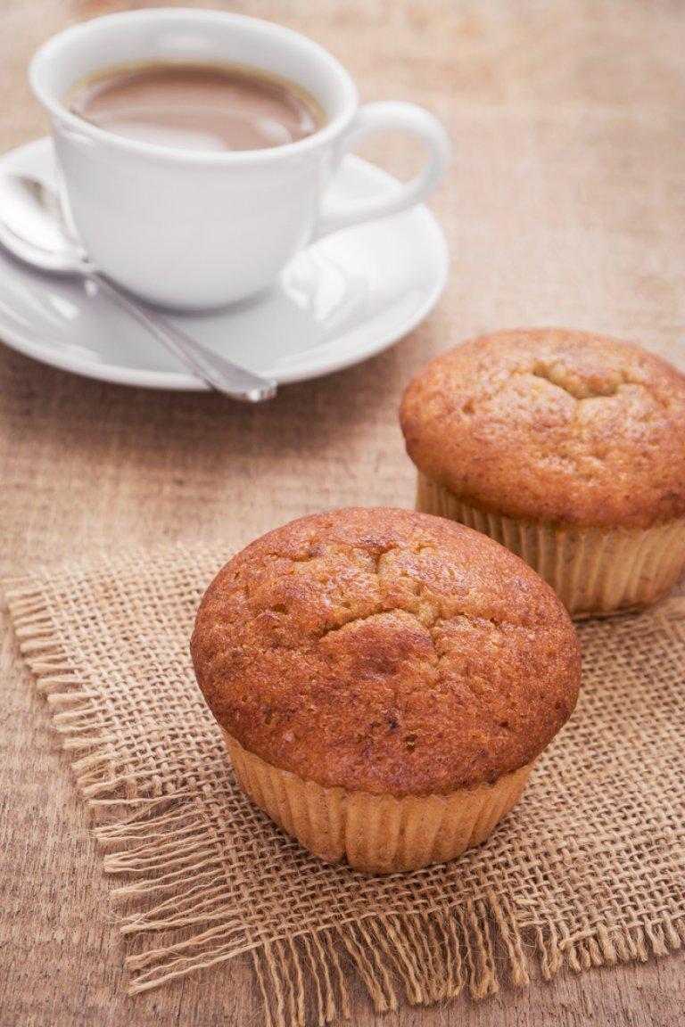 Muffins με μπανάνα, σταφίδες και καφέ Νespresso