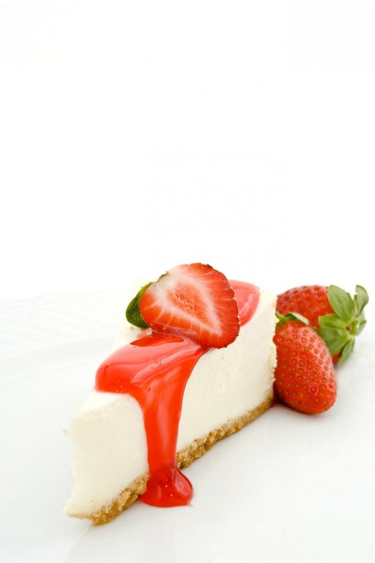 Τσιζκέικ με τραγανό μπισκότο και φράουλες