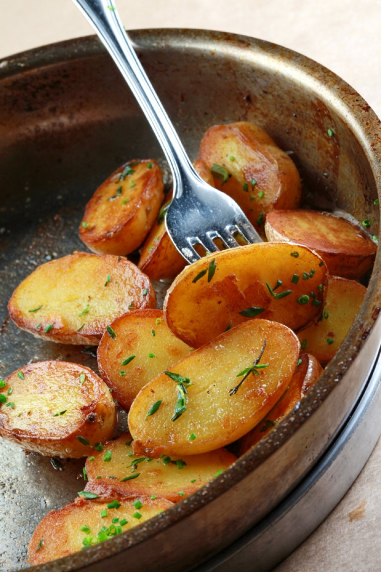 Sautéed French potatoes with thyme, rosemary and garlic