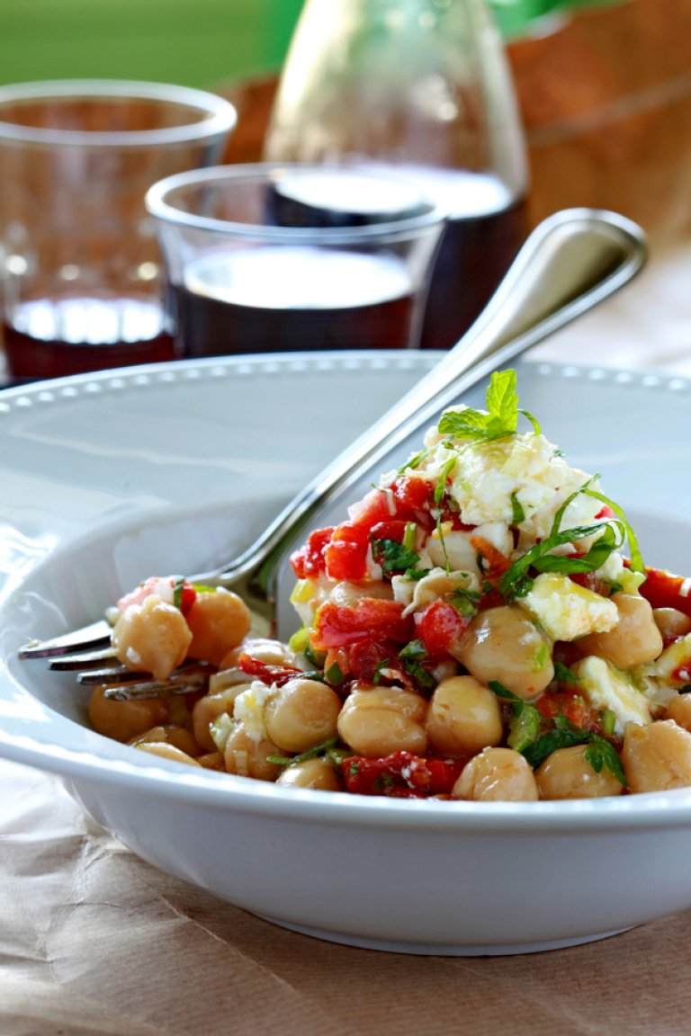 Chick peas with sun-dried tomatoes, spring onion, mint and feta