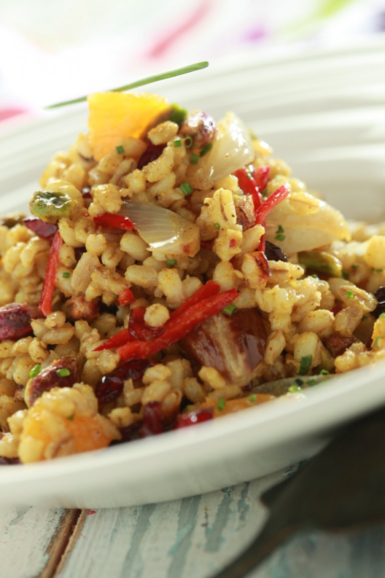Barley salad with orange and curry