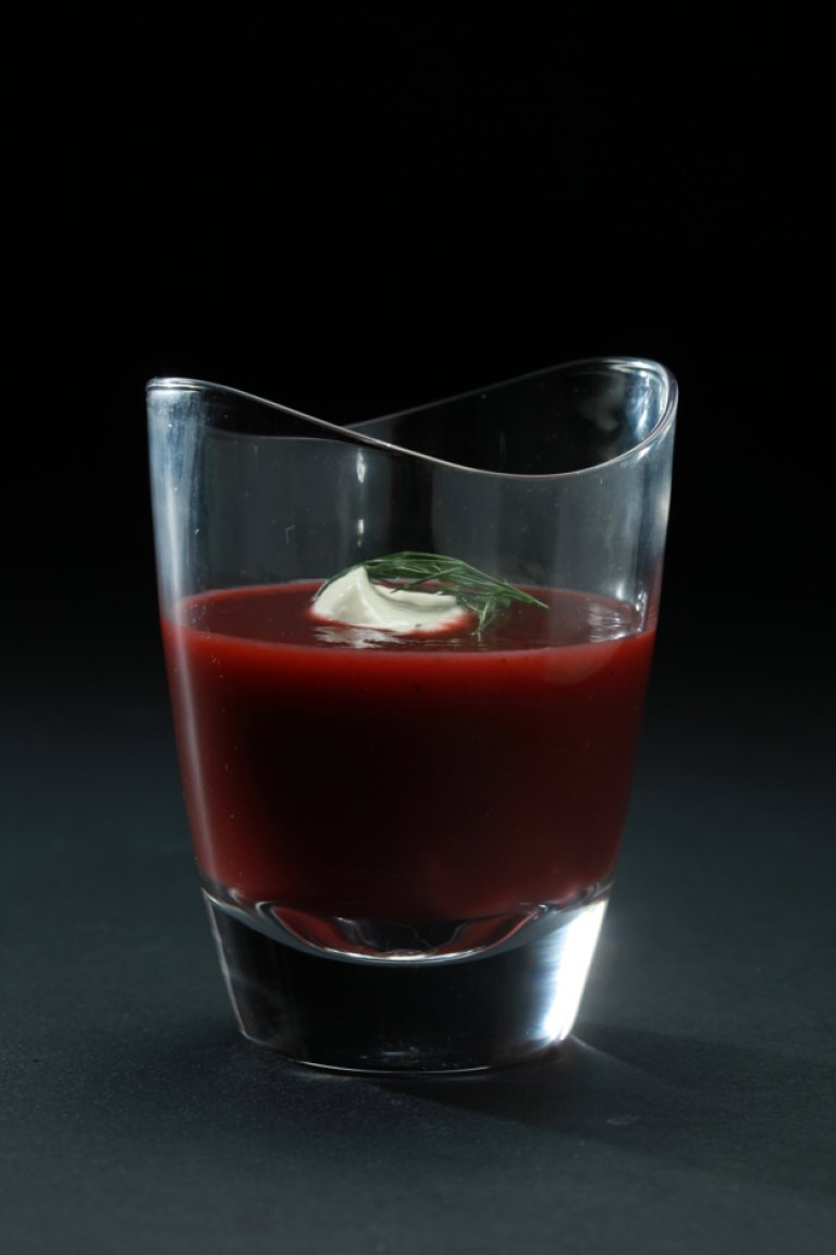 Beet soup with fennel and ginger
