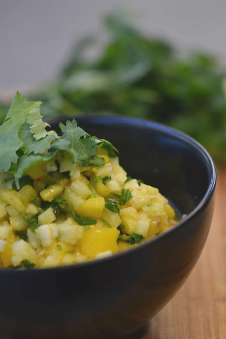 Σάλσα με μάνγκο και ανανά