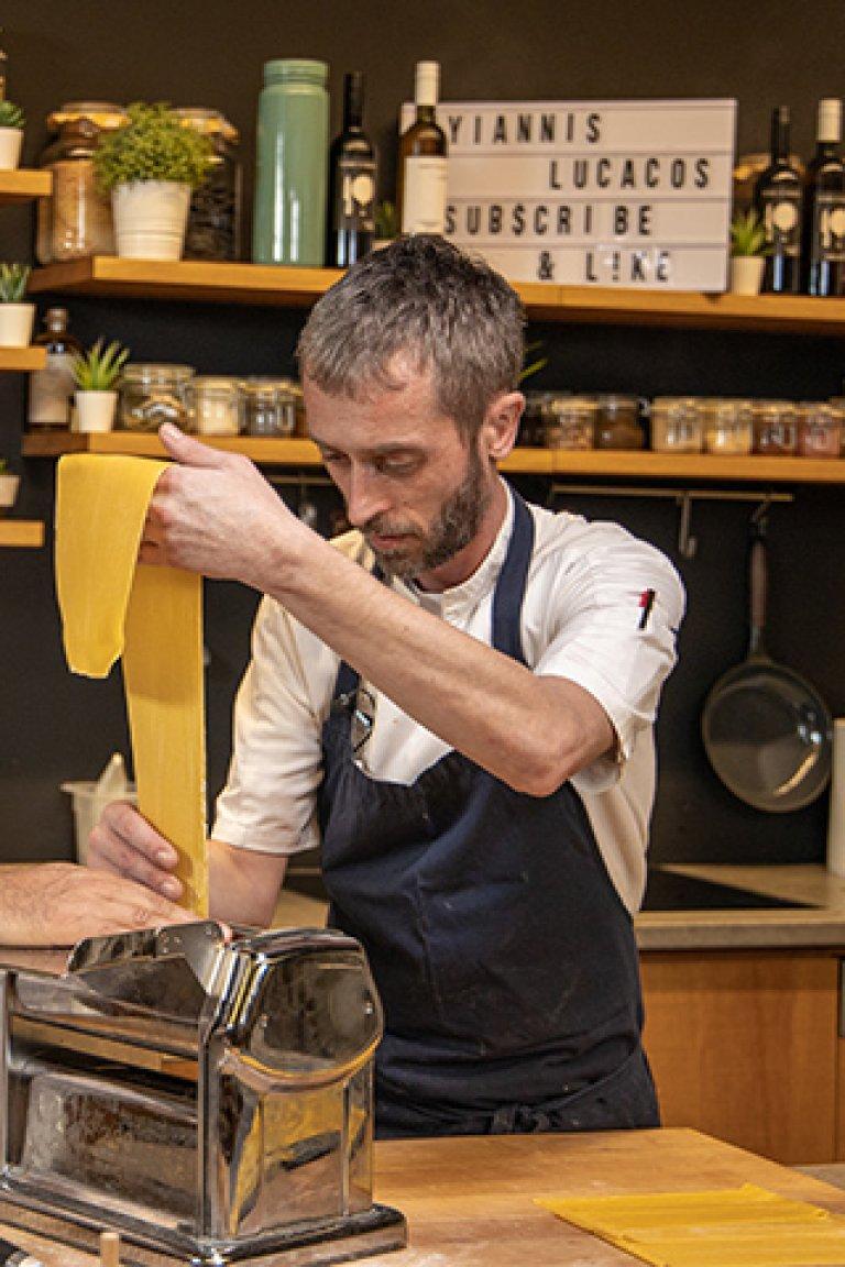 Θοδωρής Παπανικολάου - Η τέχνη των φρέσκων Ιταλικών ζυμαρικών
